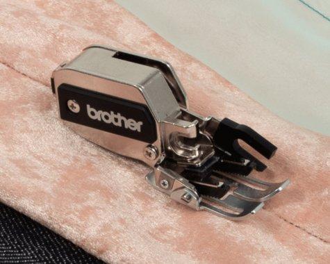 kovová kráčející patka Brother F085 7mm