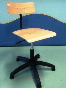 židle AKN dýha lepená s plynovou pružinou, 5-ti nohá základna