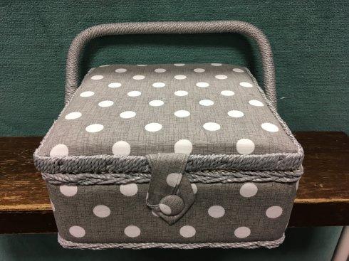 košík na šicí potřeby Small Grey Linen Polka